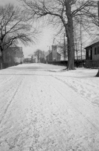 Höhenstraße mit evangelischer Kirche ca. um 1938 zur Verfügung gestellt von Jürgen Landgrebe